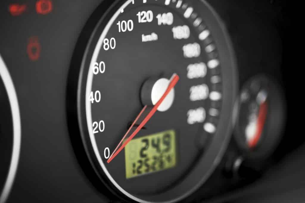 vérification kilomètres compteur trafiqué